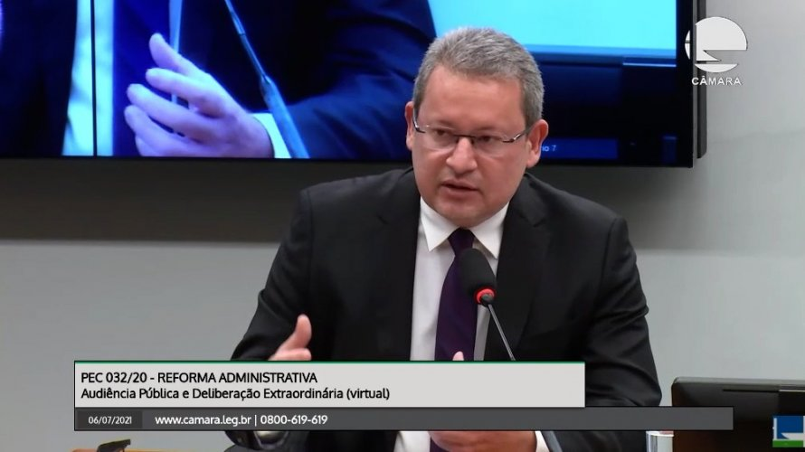 """AUDIÊNCIA PÚBLICA Reforma administrativa: """"CONAMP é contra inclusão das magistraturas e contra o texto da PEC 32"""", afirma presidente"""